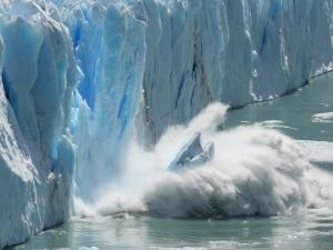 Айсберг колкото Пловдивска област се откъсна от Антарктида
