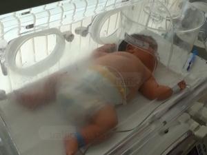 Бебето гигант в Пловдив - с пъти по-голямо от другите в отделението ВИДЕО