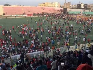 Осем души загинаха при сбиване по време на футболен мач