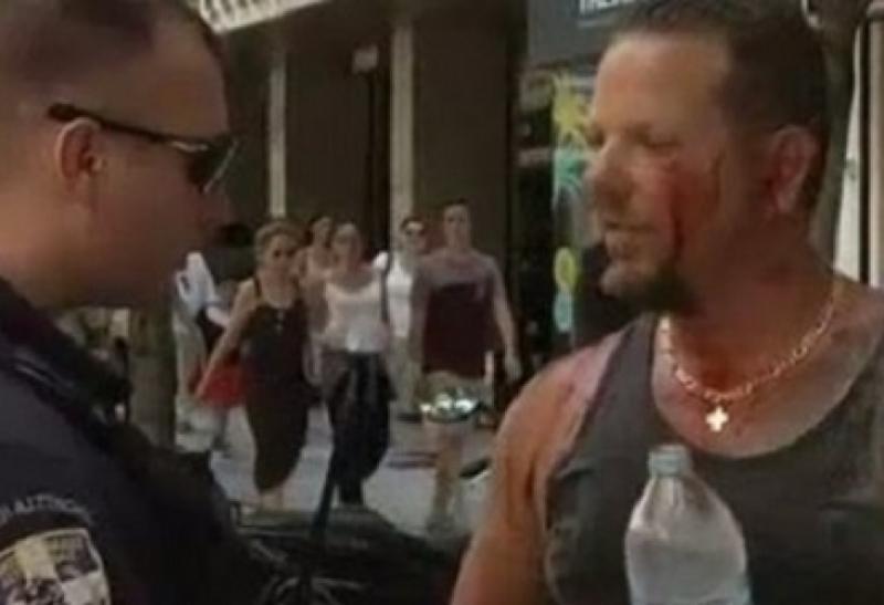Гърци, протестиращи срещу отварянето на магазините в неделя, пребиха турист