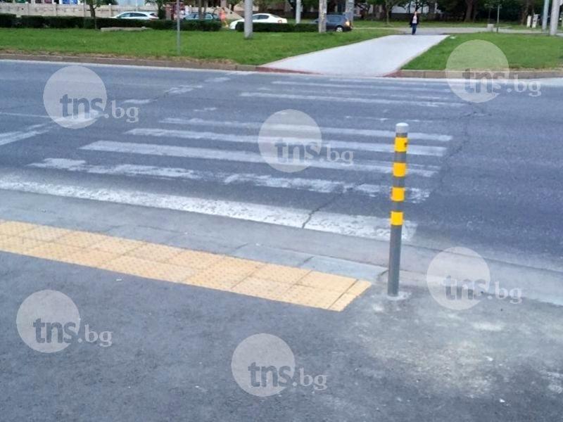 Пешеходец тръгна на червено в Пловдив, удари се в автомобил