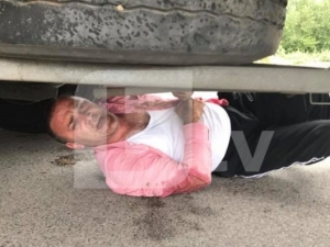 "Пиян до козирката шофьор помете кола и тир на АМ ""Тракия"", крие се под колата"