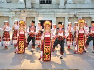 Хиляди души пристигат в Пловдив за петдневен фолклорен фестивал
