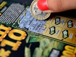 Пловдивчанин отмъкна лотарийни билети за 400 лева от магазин в центъра