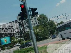 Да минеш на червено - в реда на нещата за този пловдивски шофьор на рейс СНИМКА
