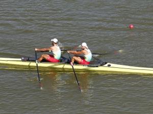 Три наши лодки на полуфинали на световното по гребане