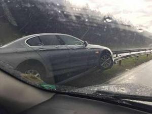 Пазарджиклия се заби в мантинелата на магистрала Тракия