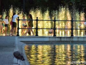 Жега захлупва Пловдив през уикенда, термометърът стига до 37 градуса