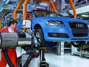 Заговор между производители на коли в Германия - разбирали се как да лъжат за вредните емисии