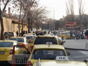 Пловдивските таксиджии готови за нови протести