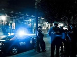 Кошмарна гледка! Телата на осем души са открити в камион на паркинг
