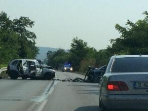 Челен сблъсък край Варна, мъж и жена са откарани в болница