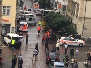 Мъж атакува хора с моторна резачка в Швейцария, двама са в тежко състояние