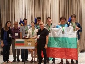 Отборът ни по математика със сребро и бронз на международна олимпиада в Рио