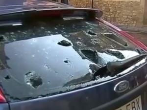 Гигантска градушка потроши коли в Испания СНИМКА