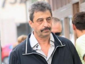 """Адвокатът на Цветан Василев съветва банкера да не се прибира, за да няма """"физически проблеми"""""""