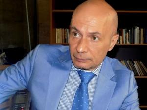 Журналистът Иво Никодимов остава в болница, нападателите може и да са непълнолетни