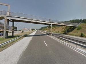 Спират колите по магистралата от и към Пловдив, махат частна пасарелка
