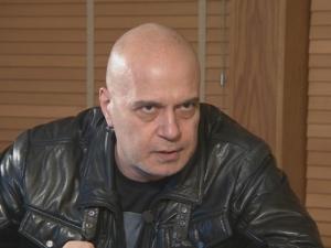 Слави Трифонов отговори на спекулациите за здравето му