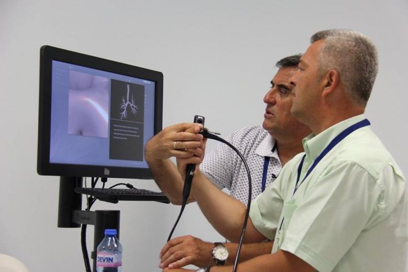 Пулмолози тренираха инвазивни методи върху кибер манекени в МУ-Пловдив
