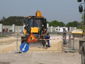 """Започват асфалтирането на улица """"Остромила"""", изграждат кръгово на """"Димитър Талев"""""""