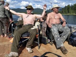 Путин се разголи и се отдаде на почивка СНИМКИ