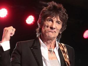 Китаристът на Ролинг Стоунс останал без част от белия си дроб заради рак