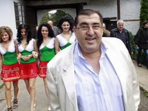 Митьо Пищова измисли ол инклузив за бедни туристки