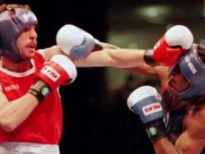 Съзряха конспирация в победата на Сарафа над Мейуедър преди 21 години ВИДЕО