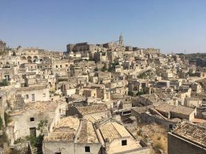 """Матера - от """"национален срам за Италия"""" до любима дестинация на режисьори и пътешественици"""