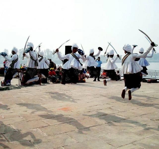 Екзотични ритми ще озвучат центъра на Пловдив, индийска група с безплатен концерт