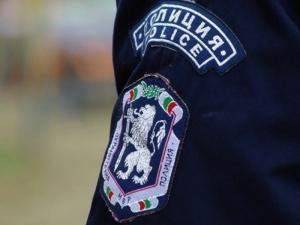 Пращат полицаите от големите градове към селата