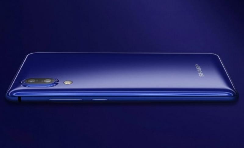 Sharp представи конкурента на iPhone 8