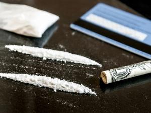 Полицаи случайно докопаха кола, пълна с наркотици, спрели шофьора за рутинна проверка
