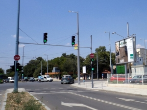 Промени в светофар на Кукленско шосе, ще улесняват левия завой