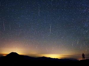 Избягайте от Пловдив, вижте пика на метеоритния поток Персеиди