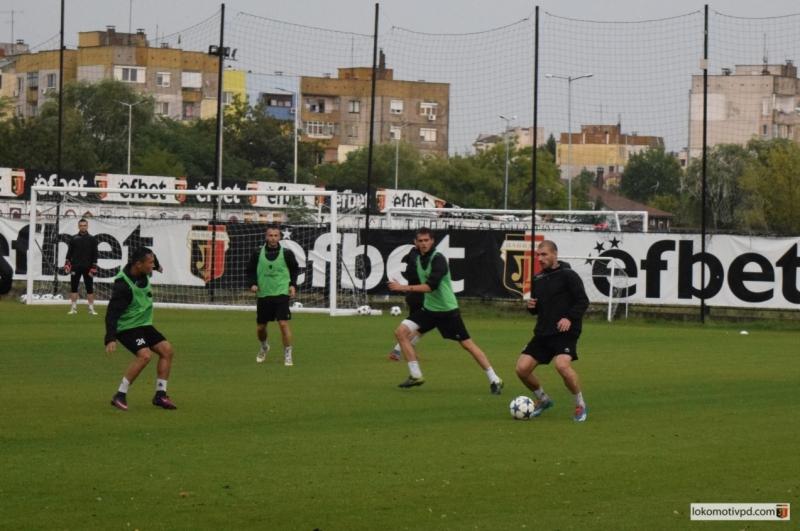 Двама нови в групата на Локо за мача срещу Витоша
