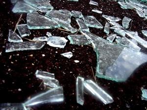 Апаши разбиха офис в Кючука, отмъкнаха 2 бона