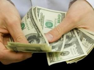 Рязко постъпване на долара и инвазия на щатската валута сочат прогнозите