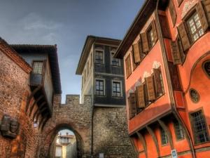 15 къщи в Стария град чакат нови собственици, цените са от 87 000 до 550 000 евро