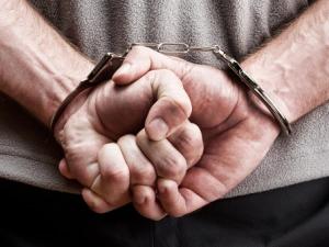 Арестуваха 26-годишен пловдивчанин, отмъкнал 5 бона от жилище