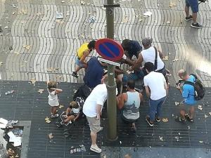 Расте броят на жертвите при атентата в Барселона ВИДЕО И СНИМКИ