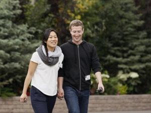 Зукърбърг в отпуск 2 месеца за раждането на дъщеря си