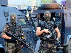 Предотвратиха терористичен акт в Истанбул! Турски полицаи заловиха двама джихадисти