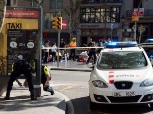 Атентаторите от Барселона планирали да взривят 120 газови бутилки