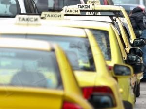 16-годишно момиче от Стара Загора роди в такси