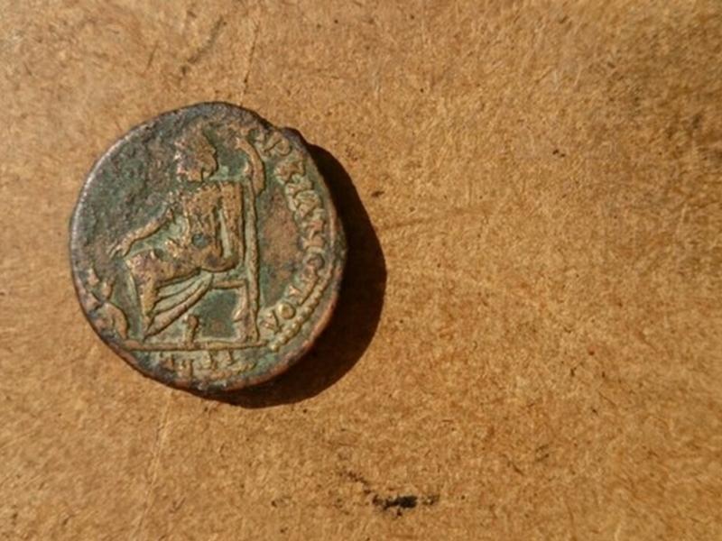 Изправят пред Пловдивския съд трима иманяри, укривали древни монети и културни ценности