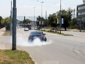 Джигит хвърчи с 240 км/ч по пътя Пловдив-Асеновград ВИДЕО