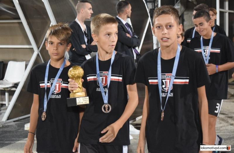 Децата на Локо показаха престижния трофей от Готия Къп СНИМКИ