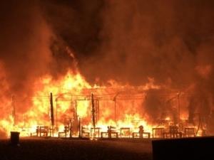 Пожар унищожи заведение край морето СНИМКИ